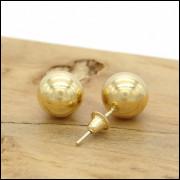 Par de Brincos Bolinha de 7 mm, em Ouro 18 K