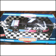 Lote 004 American Muscle  1/18 Geoff Bodine Ford Thunderbird Nascar