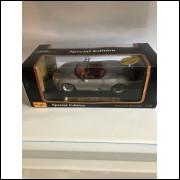 Lote 002 Maisto 1/18 Porsche Boxster Prata