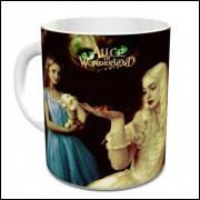 Caneca Alice no país das Maravilhas
